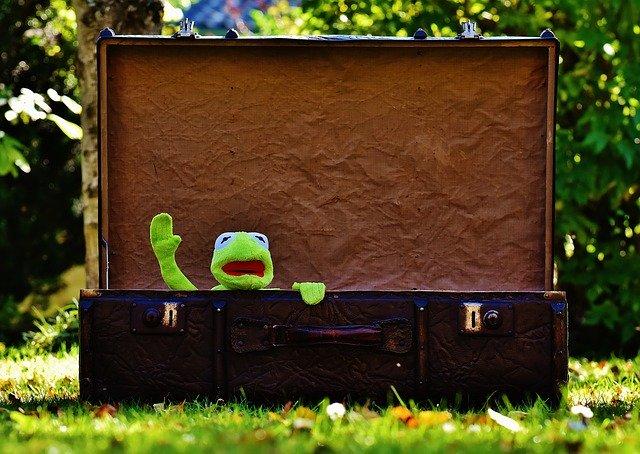 旅に出るスーツケース